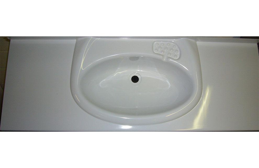 Waschbecken aus Kunststoff